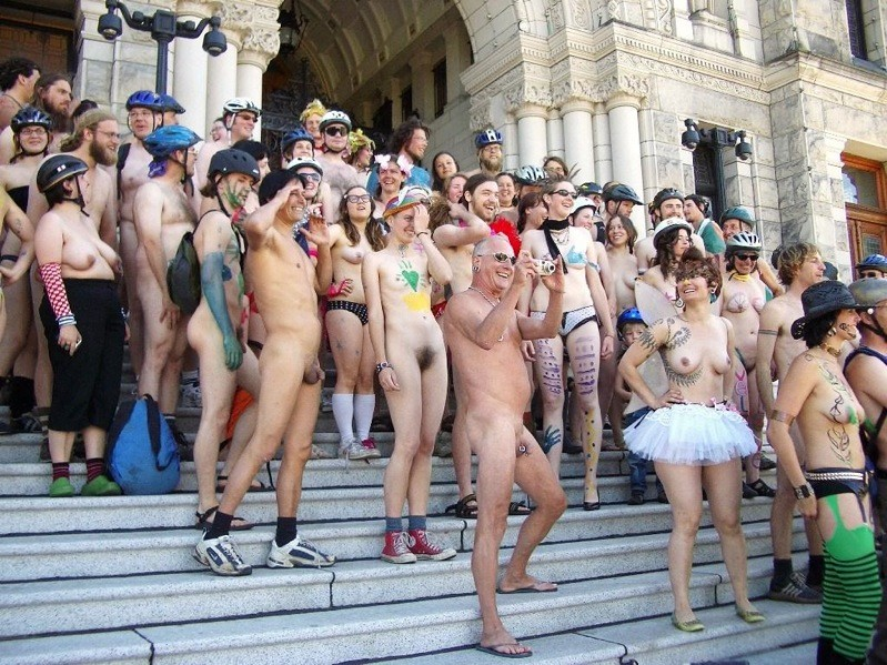 naked_bike_ride_13.jpg